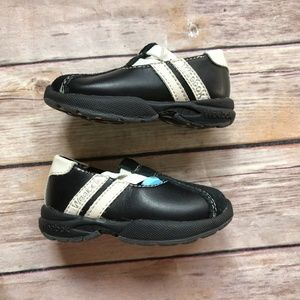 de82dab2ee2c43 Weebok Shoes - Weebok Black White Slip On Shoes Girls 2 NEW NWT
